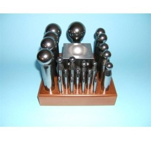 Kugelpunzen-Set 4-55 mm auf Holzbrett